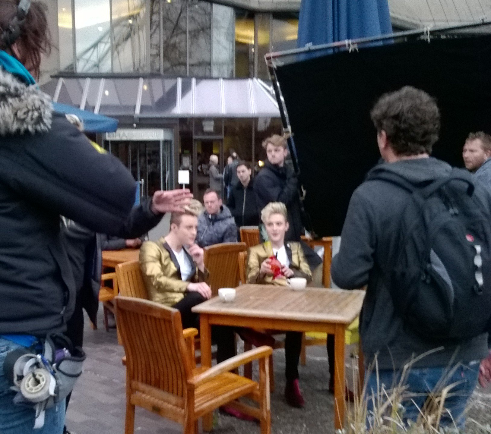 Jedward near Tower Bridge London, filming for Sharknado 5. Photo Credit Alice Fayter (@FumehoodFayter) and Twitter